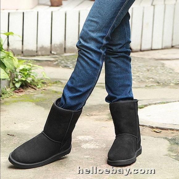 a93f6418ee4 UGG black classic mini short boots